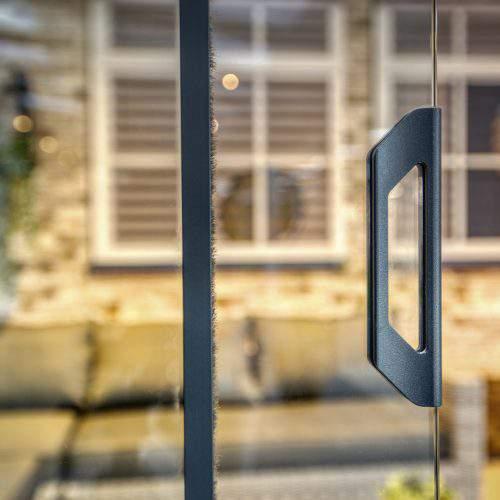 1-rail glazen schuifwand antraciet van 128cm breed en een totale hoogte van 230cm