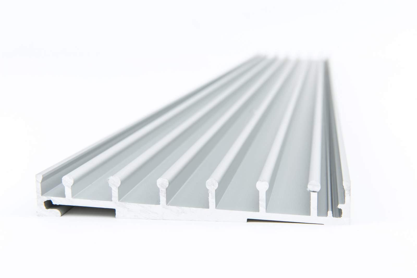 4-rail glazen schuifwand antraciet van 392cm breed en een totale hoogte van 260cm